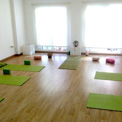 Santosa Yoga